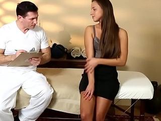 Mislead babe masseur jizz