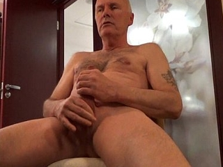 Ulf Larsen flash, shave, wank, watch porn &amp_ cum while on cam