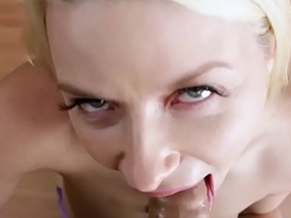 Great Booty Anikka Albrite Gives Blowjob to Big Cock