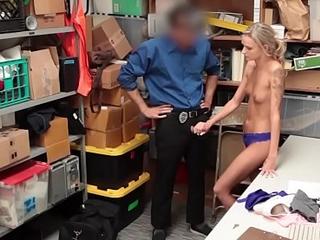 Larcener Emma Hix Gives Blowjob and Humped