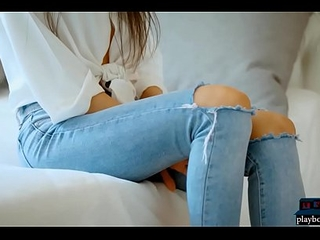 Skinny Russian teen beauty strips broadly be worthwhile for her jeans