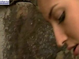 Brunette teen coquette rub love tunnel