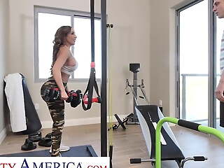 Naughty America - Richelle Ryan works up a sweat fucking