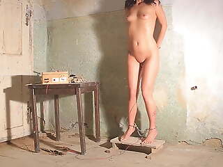 Tortured in all directions electricity - pussy torture