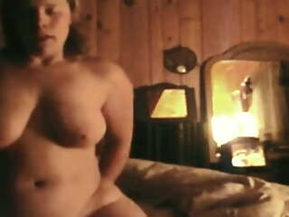 Pretty wife rides the cum widely of husband