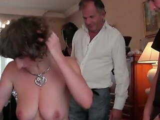 French milf Alizee double penetrated in stockings