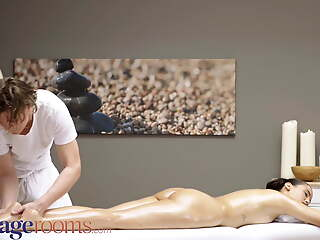 Massage Rooms Broad in the beam booty sexy young Latina babe Andreina De L