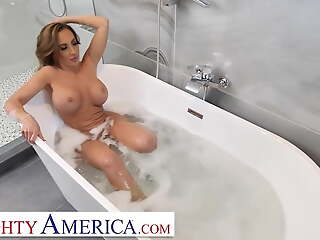 Naughty America - Richelle Ryan fucks their way son's perverted friend