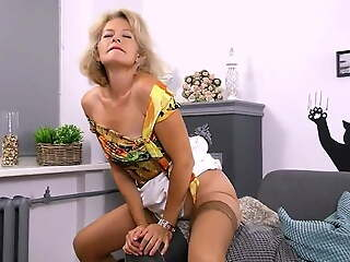 Lustful deaf-mute Russian grandma Diana… 3