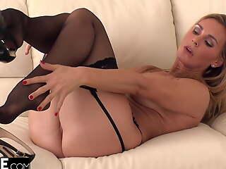 British MILF Tanya Tate Rides Young Cock