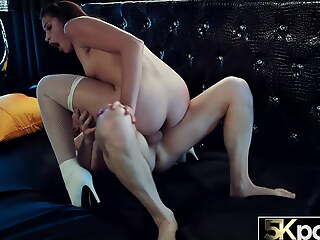 5KPORN Avi Love Has Say no to Tight Asshole Stretched