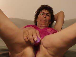 Mature Granny on no account Vibrator