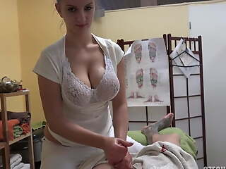 Masseuse with big tits agrees to get fucked for a few tickets