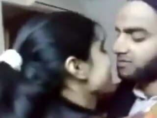 Pakistani guy Molvi kisses swain