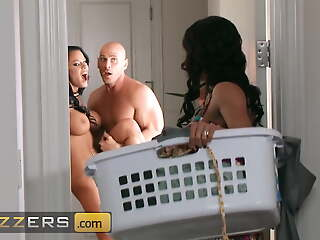 Competitive Threesome With Johnny Sins, Kendra Hanker after And Peta