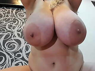 Chubby blonde jerks off and squirts