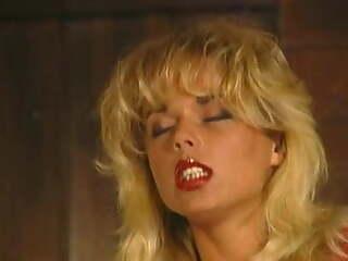 Kelly Trump Classic: Motor hotel of Pleasure