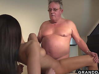 Horny HR girls fucks this grandpa during dramatize expunge interview