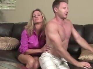 Mothers' seductions 1