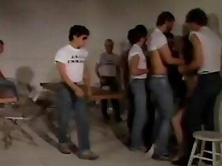 囚犯-80年代研究员被锁定