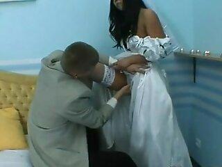 考特妮甜美新娘
