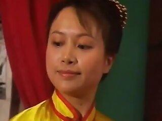 华语老片-还珠格格(国语最佳中文字幕情色恶搞)小燕子全裸陪阿玛