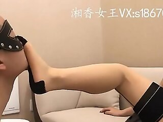 全网首发长沙湘香S丝袜绑DD暴虐踢裆-足控舔脚飞机吐奶!