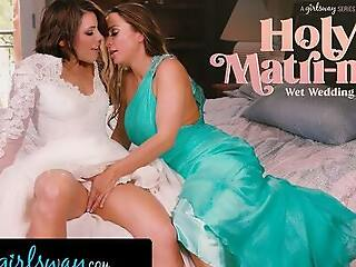 GIRLSWAY – Abigail Mac Made One of a pair Adriana Chechik Squirt A Lot