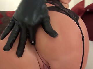 Double penetration with giant dildos in an obstacle tightest cunt