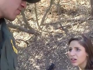 Taxi busted bobby Latina Deepthroats on the Border