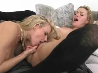(Anikka Albrite &amp_ Mia Malkova) Teen Lesbians Lick And Kiss In Hot Lez Scene video-05