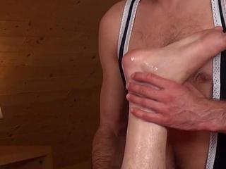 Young inked twink jerksoff cum after massage