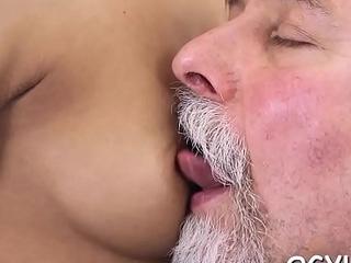 Young hotty blows old shlong